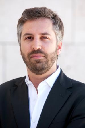 <b>Pedro Nuno</b> Santos nasceu em Abril de 1977, natural de São João da Madeira, <b>...</b> - PNSantos_PVH-10